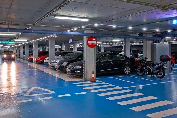 Instalaciones eléctricas en aparcamientos en Barcelona