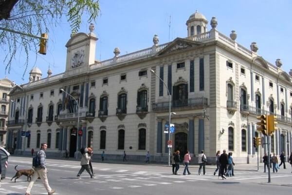 Instalaciones eléctricas en edificios públicos de Barcelona