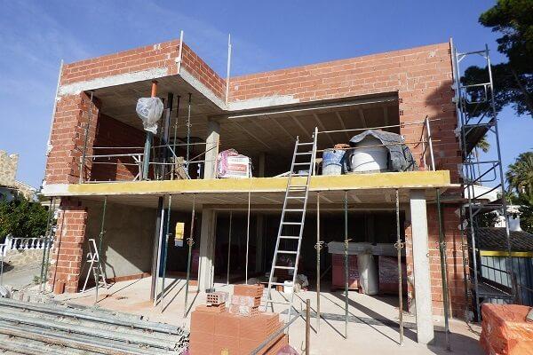 casa reformando por albañiles