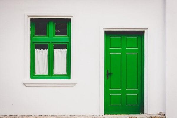 Puertas y ventanas de madera en Barcelona
